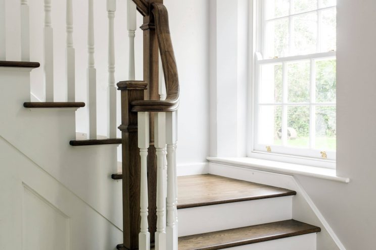 Oak staircase with banisters