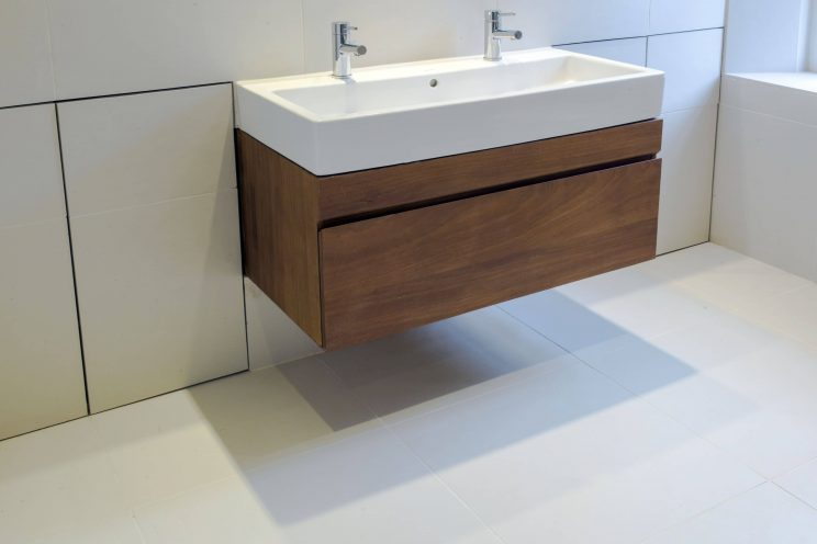 Minimalist bathroom vanity unit