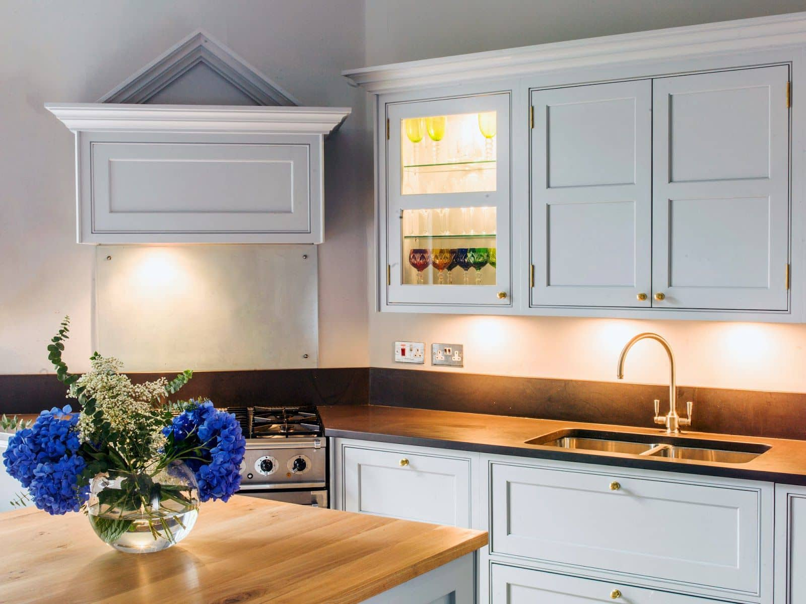 Georgian kitchen design georgian kitchen design flickr for Georgian style kitchen designs