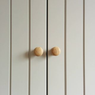 Country style grooved doors