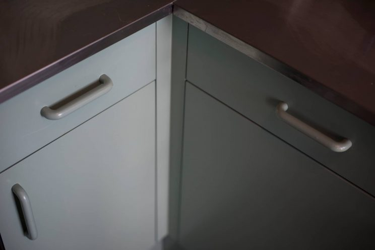Contemporary units from a bespoke contemporary kitchen by Bath Bespoke