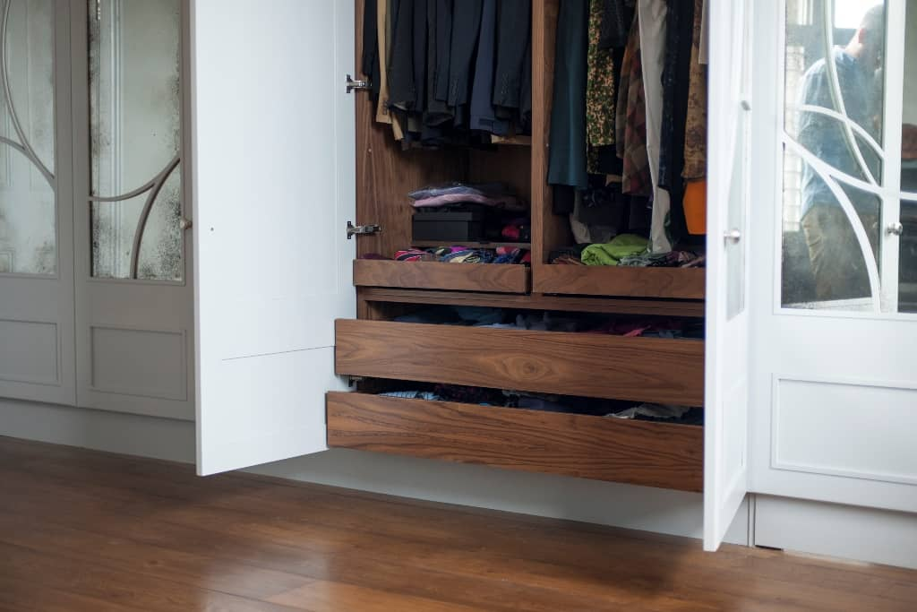 Inbuilt drawers and hanging units