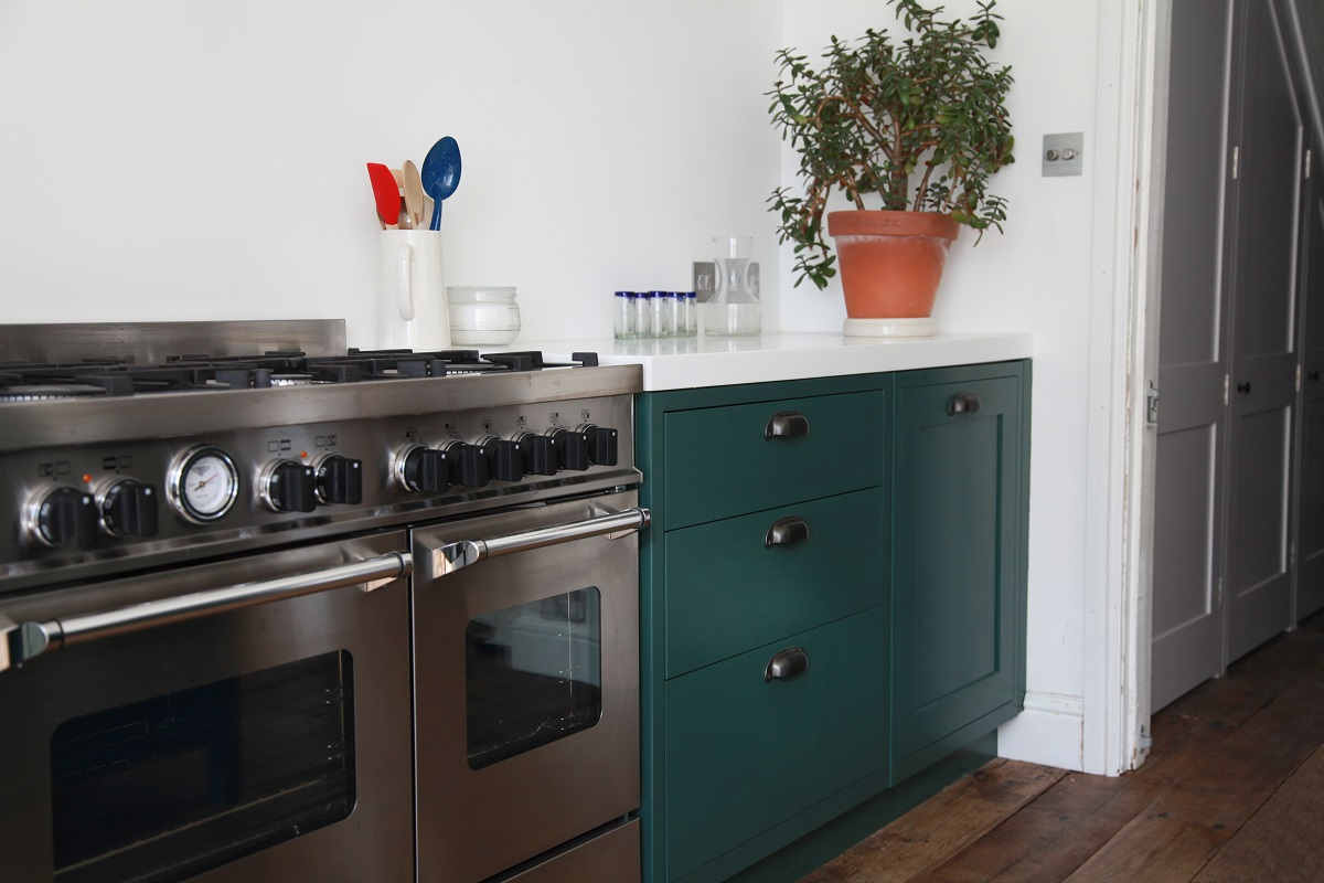 Kitchen finished in Farrow and Ball Monkey Puzzle paint