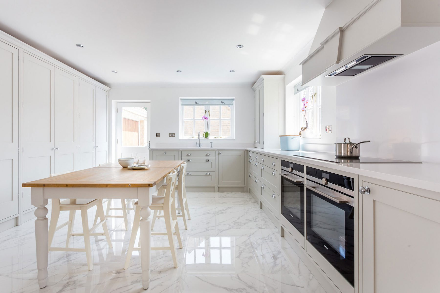 marble tile in kitchen white shaker kitchen 7373