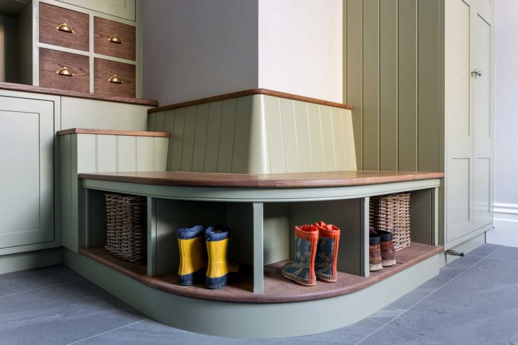 Curved seating area in boot room