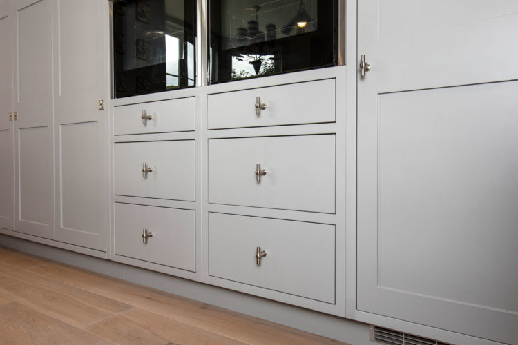 Shaker kitchen cabinets finished in Farrow and Ball Manor House Grey