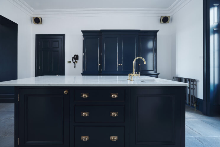Classic kitchen in Hague Blue